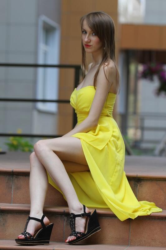 Дівчата / Жінки, Особисті Фото Роботи Авторська робота, Стрункі дівчата, Красиві дівочі ніжки, Дівчина в жовтому платті, Сексуальні дівчата на підборах, Художні фотографії id1780841862