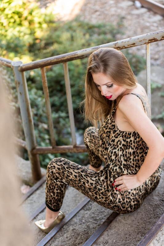 Дівчата / Жінки Нестандартные фотосессии, Девушки на полу, Девушки на паркете, Сексуальные девушки на каблуках, Девушки в эротическом белье, Блондинки id732156716