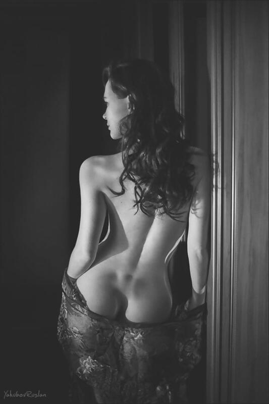 Дівчата / Жінки Black and white photos, Beautiful Tits, Nice Tits, Big tits, Stunning girl shows her tits, Girls in dress id911062433