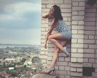 Дівчата / Жінки, Особисті Фото Роботи Девушка на крыше дома, Девушка в полосатой футболке, Девушки на высоких каблуках id431622232